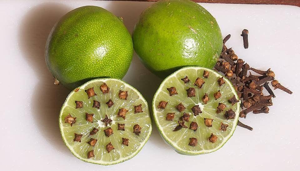 Ambientadores con limones y clavos