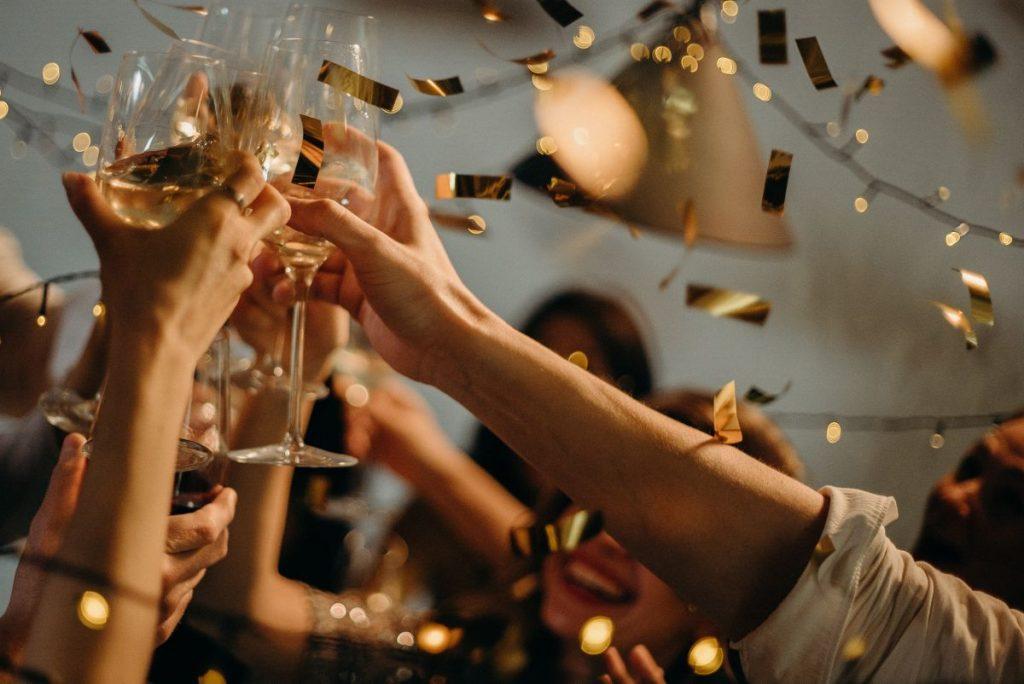 Cava y champán en el placer de las personas