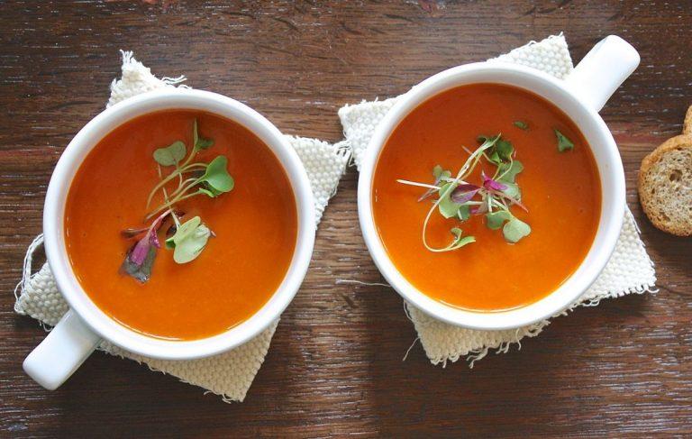 Cómo hacer una sopa de tomate deliciosa e ideal para perder un montón de kilos