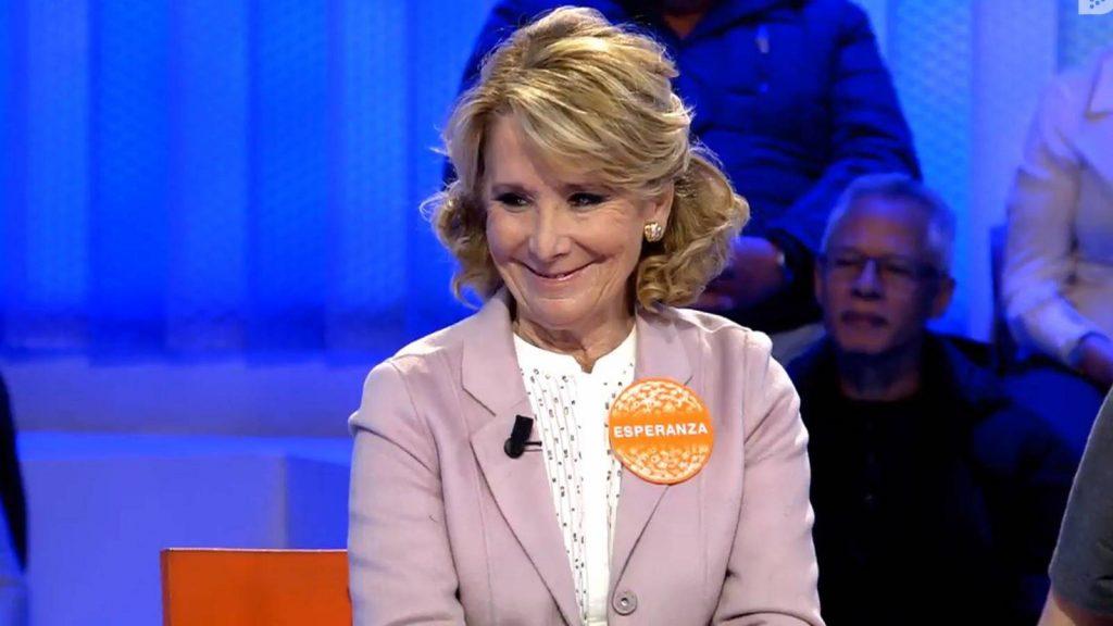 Esperanza Aguirre dejando una de sus mejores sonrisas en 'Pasapalabra'.