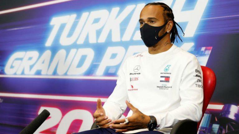Hamilton pierde la paciencia: podría cortar con la FIA