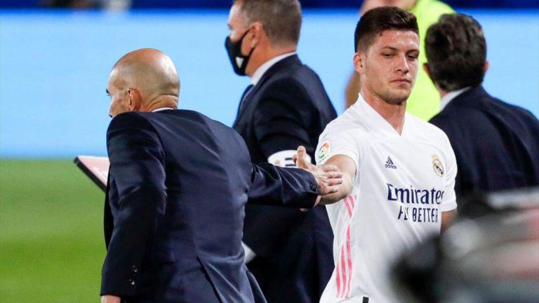 Jovic se revuelve para afianzar su permanencia en el Real Madrid