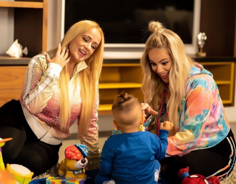 La Húngara lanza 'Mi niño Manuel' con su hija