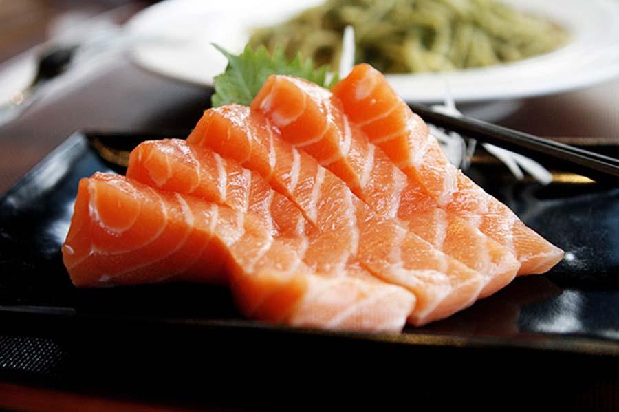 ¿Cómo preparar un exquisito salmón ahumado?