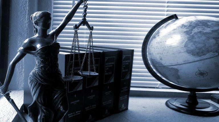 Representación de abogado en un delito fiscal