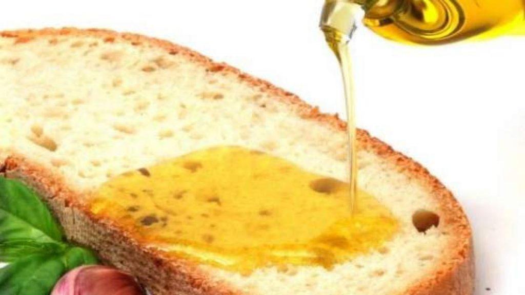 No hay placer culinario más sencillo y sabroso que el de una rebanada con aceite.
