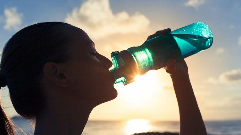 Todo lo que hace por ti el agua y no te das cuenta al beberla