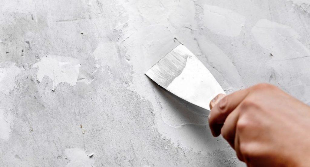 Cómo tapar agujeros en las paredes