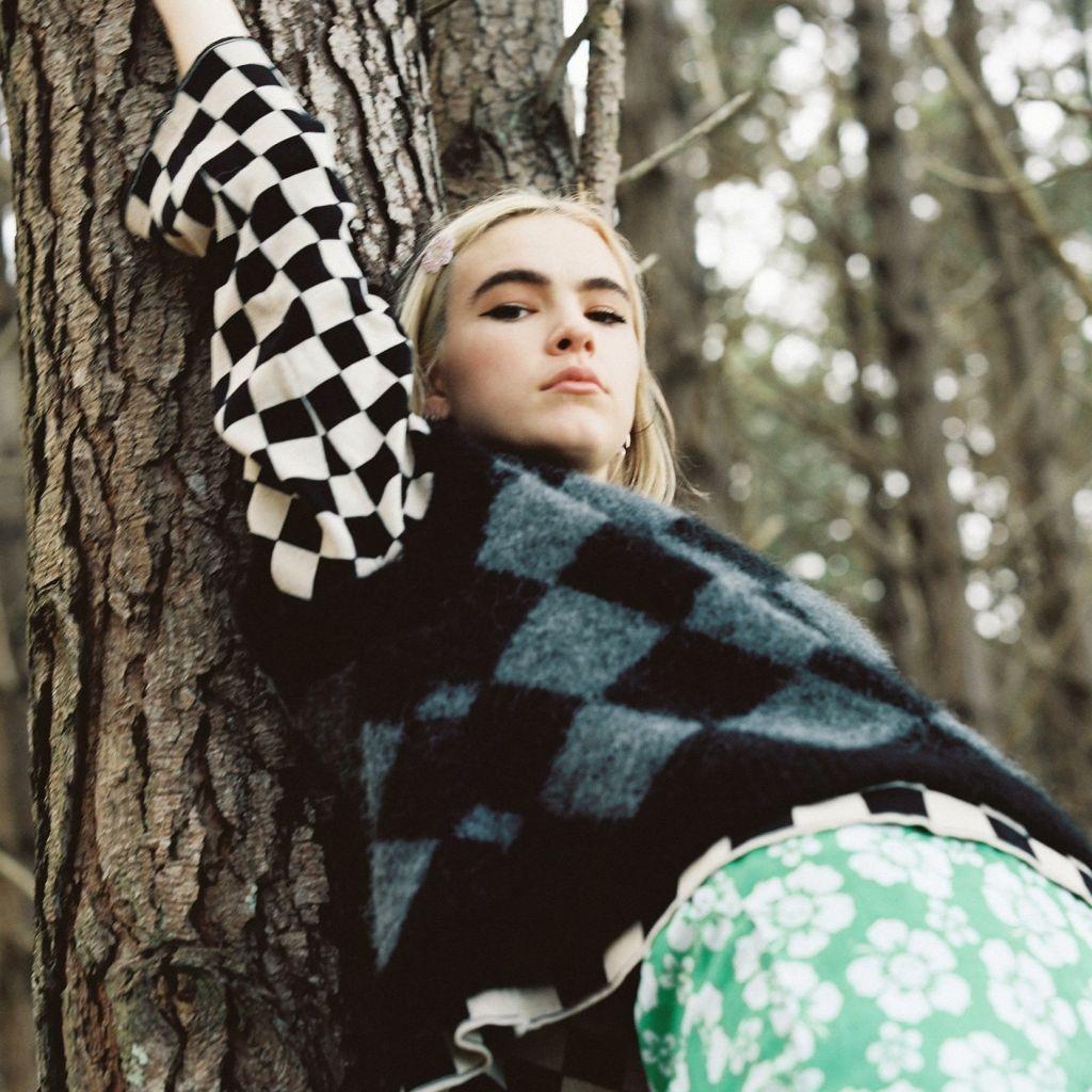 «Hey ux» es el esperado álbum debut del neozelandés BENEE