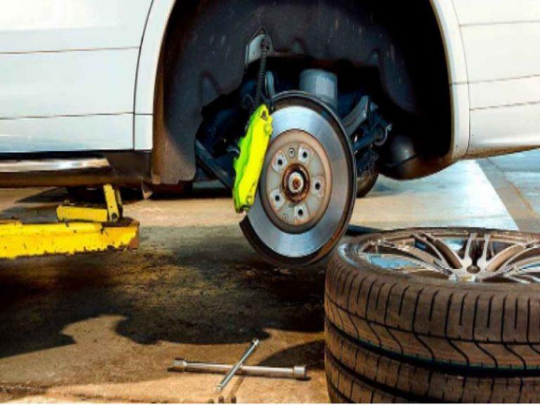 Cómo cambiar la rueda del coche