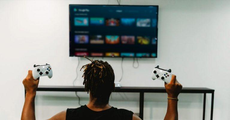 Cómo convertir tu Smart TV en una consola retro. ¡Y juega a Mario Bros!