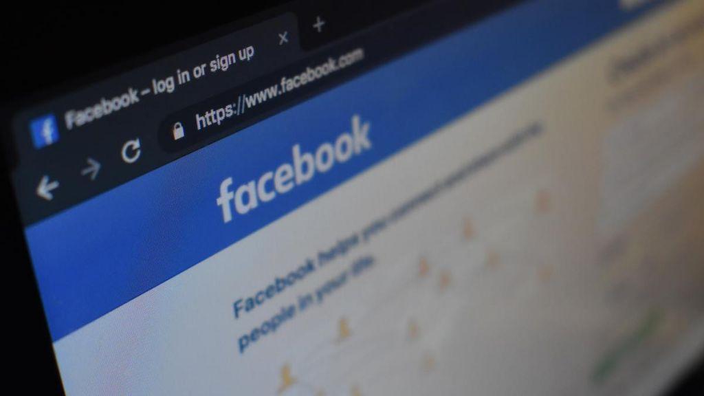 Cómo desbloquear un perfil en Facebook