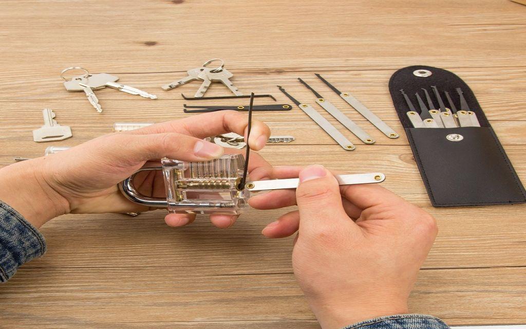 Ganzúas: Una forma de abrir un candado