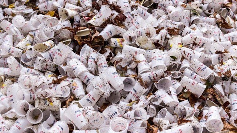 ¿Cómo se clasifican los residuos peligrosos?