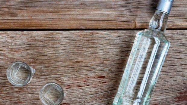 Vodka para eliminar el olor de humedad