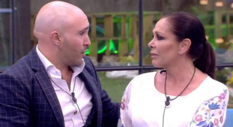 El divorcio afectivo de Kiko Rivera e Isabel Pantoja por la herencia de Cantora tiene en vilo a media España.