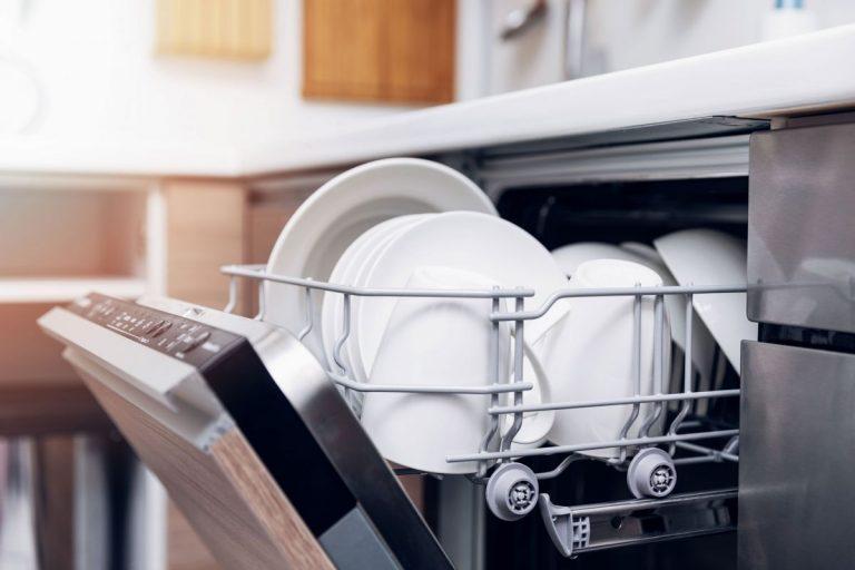 No merecen la pena: los detergentes para lavavajillas que no pasan el filtro de la OCU