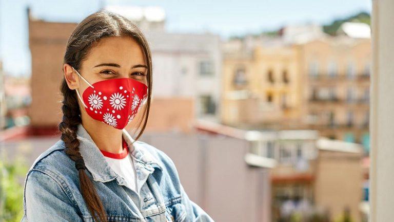 Cómo saber si tu mascarilla de tela es eficaz contra la Covid-19