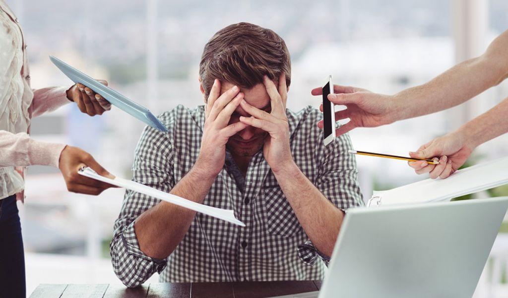 el estres laboral puede ocacionar ojeras