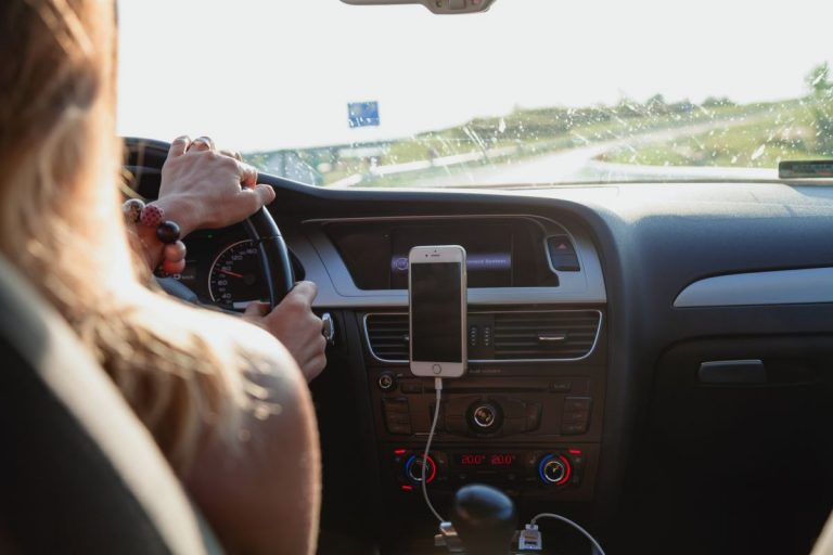 Citroën, Peugeot… Estos son los coches que tienen más riesgo de accidente