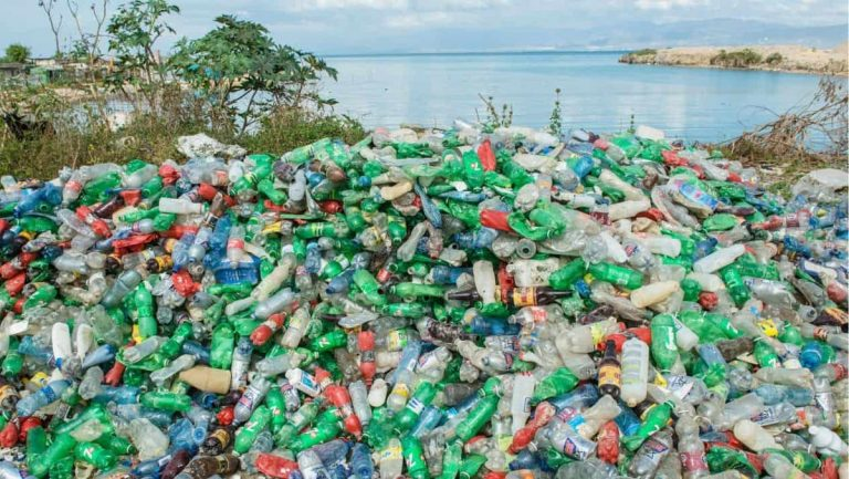 De Guatemala a Guatepeor: las botellas de cristal contaminan más que las de plástico