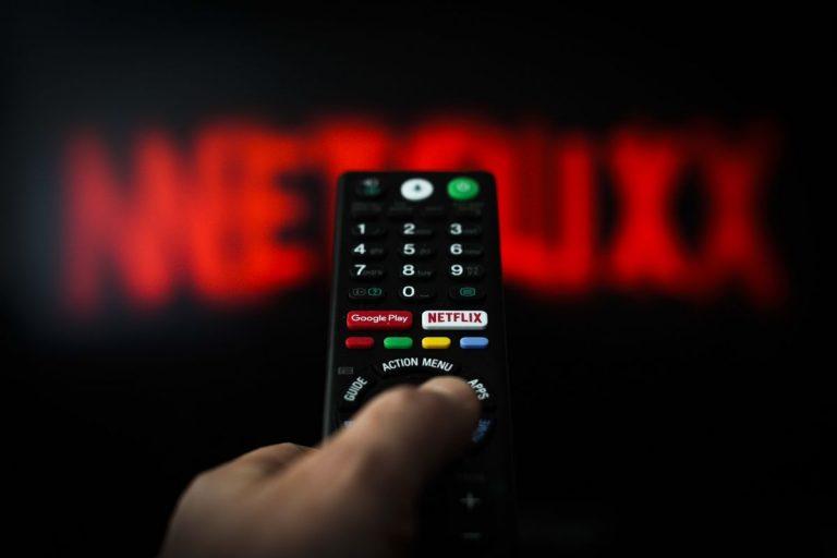 Qué es la reproducción aleatoria de Netflix