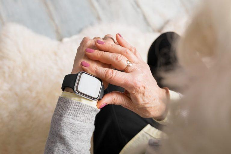 Smartwatch para tus mayores, los mejores modelos
