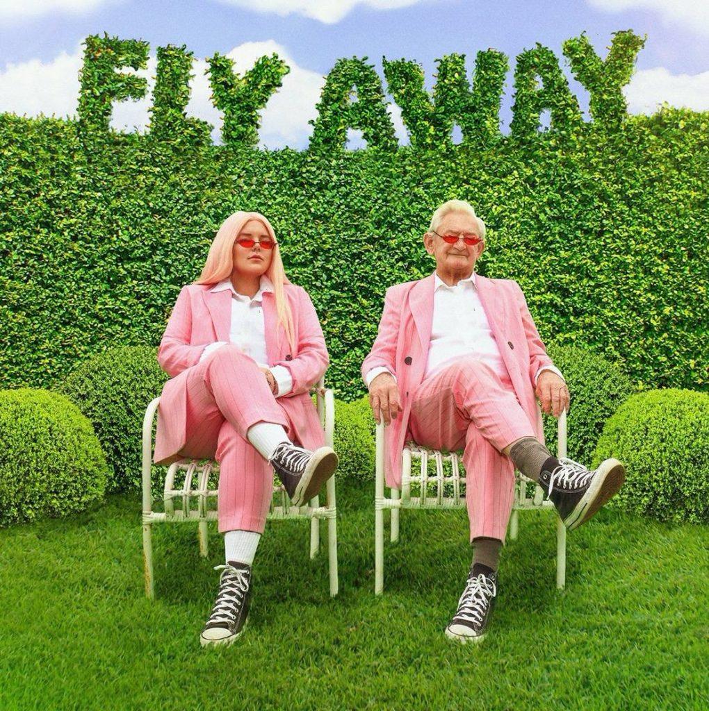 Tonos y vuelo lejos, baile mono
