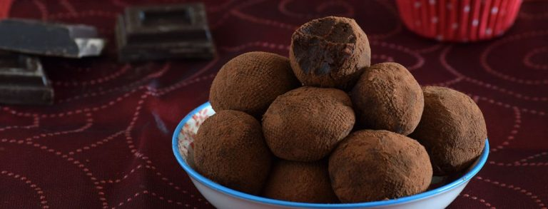 Cómo hacer unas trufas de chocolate con dos ingredientes