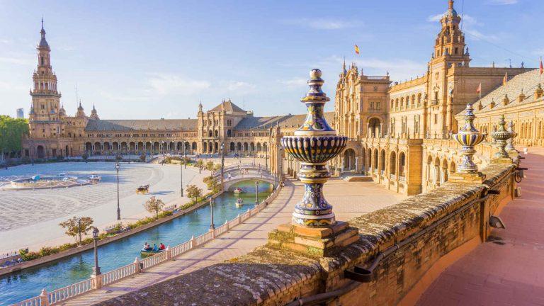 Estas son las plazas más bonitas de España