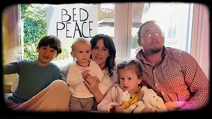 Alanis Morissette y 'Happy Xmas (War Is Over)', su single navideño