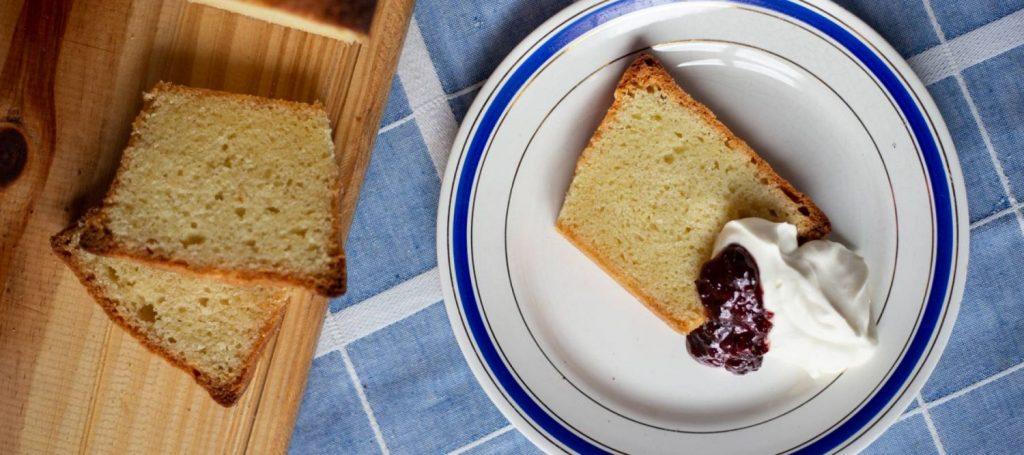 Prepara un rico y esponjoso bizcocho con los mejores ingredientes