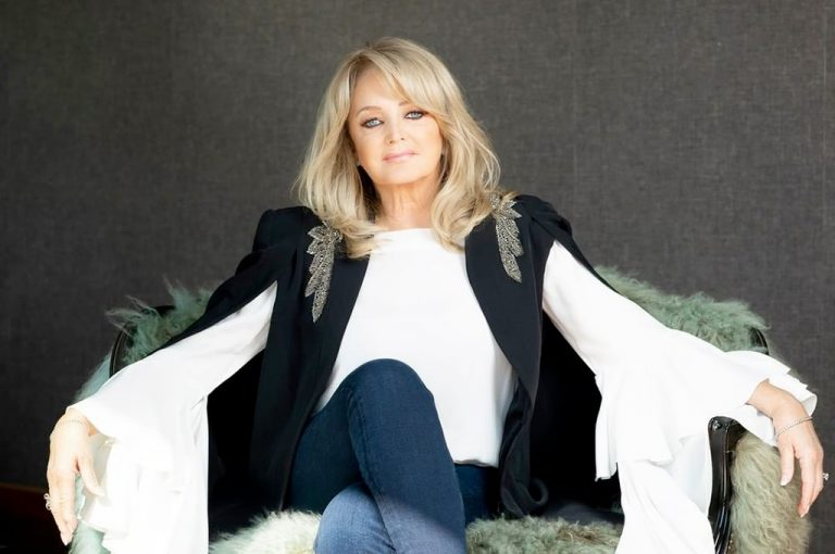 "Bonnie Tyler regresa con 'When the Lights Go Down' y ""The Best Is Yet To Come"""