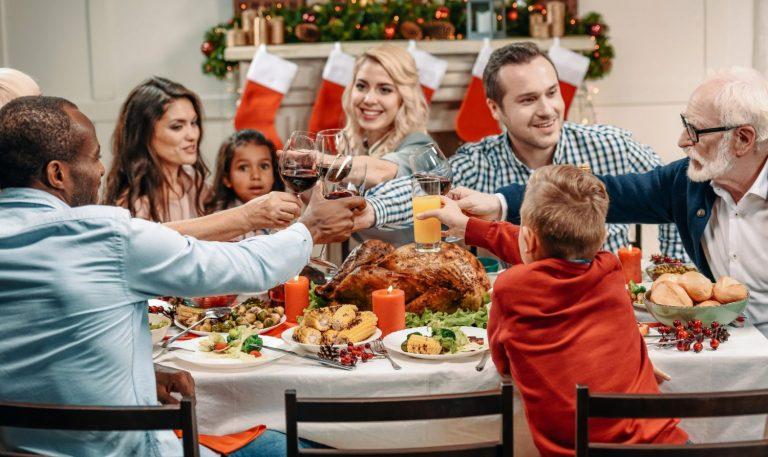 Canapés: 8 aperitivos rápidos y fáciles para la cena de Nochevieja que te salvan de cocinar