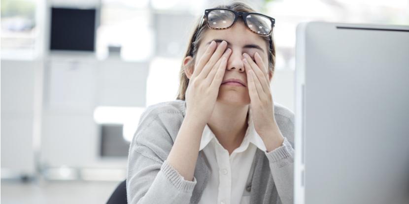 ¿Cuáles daños causa la luz del ordenador en tus ojos?