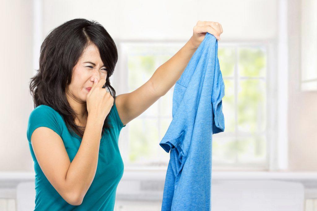 Eliminar el olor a tabaco sin lavadora