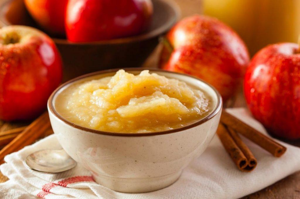 Compota de manzana-fruta