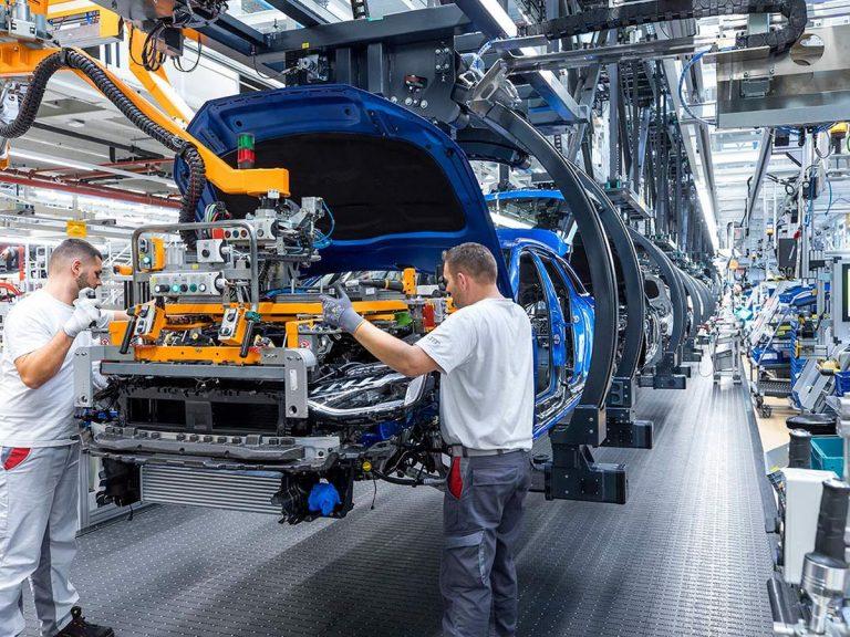 Los fabricantes de coches ganan un 6% más en el trimestre