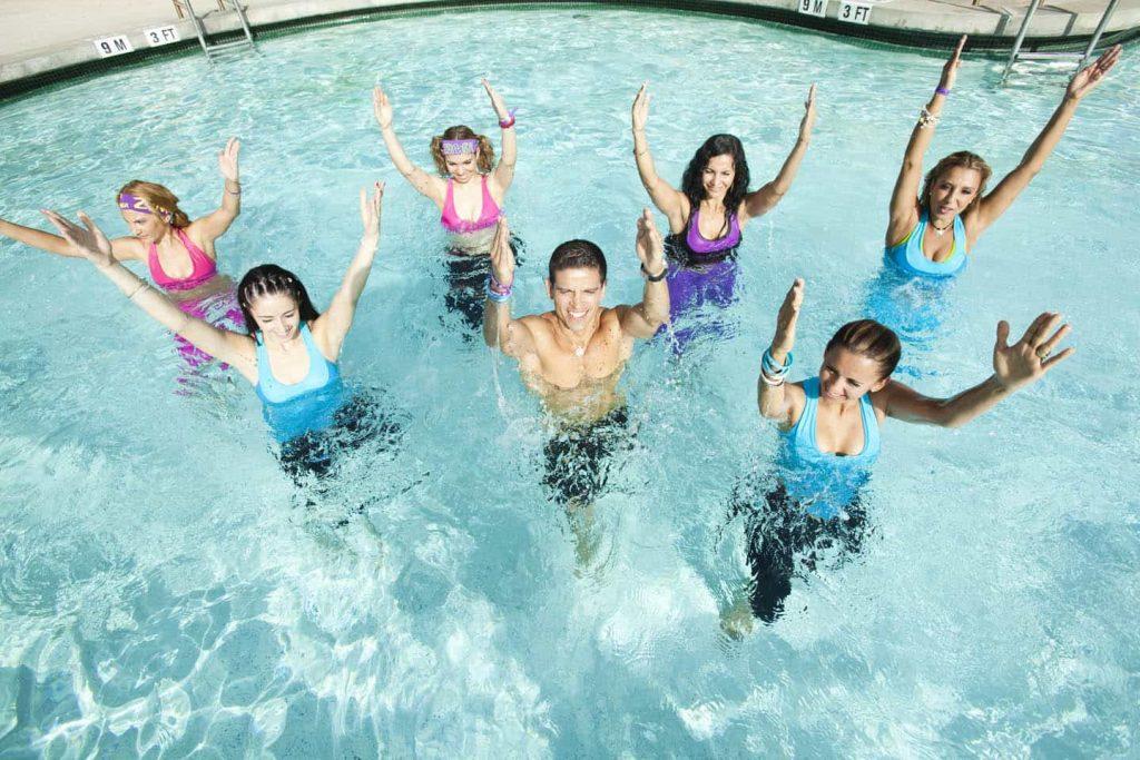 ¿Cuáles son los niveles de entrenamiento dentro del aquagym?