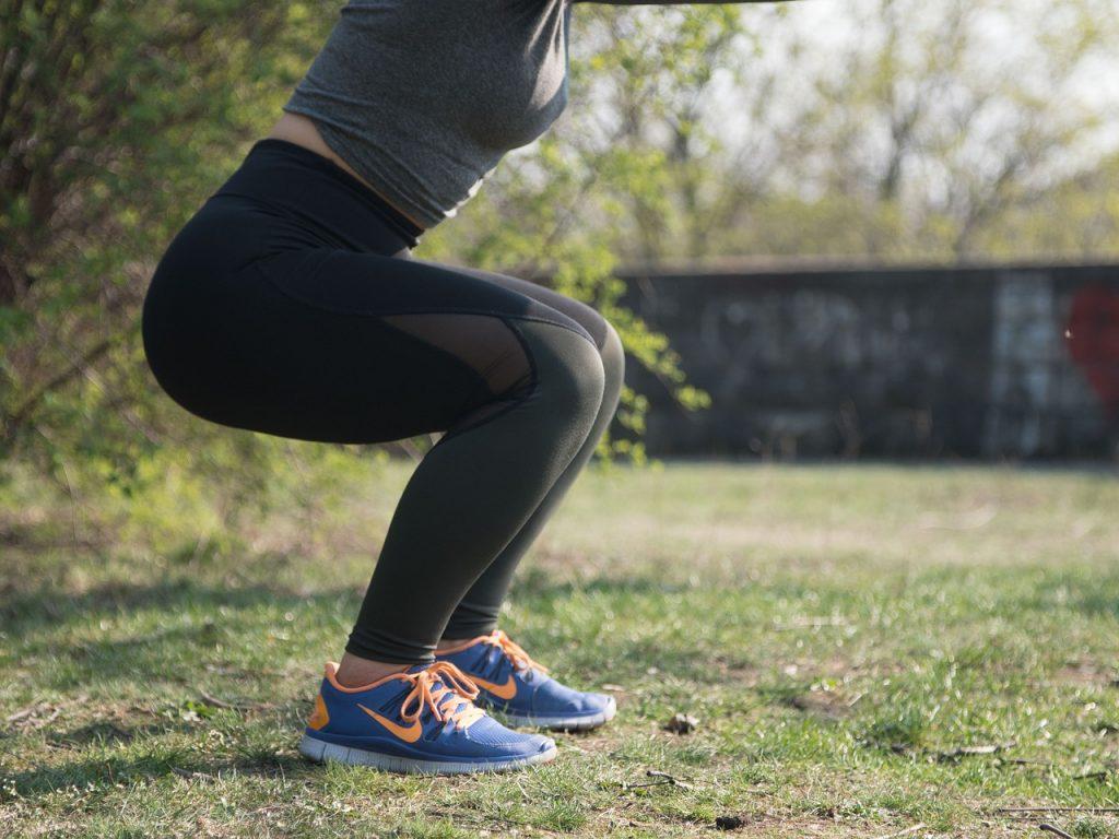 Sentadillas para reducir la grasa en las caderas