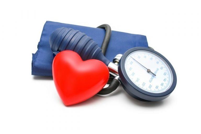 Tomarse dos Nolotil y otros trucos para bajar la tensión arterial