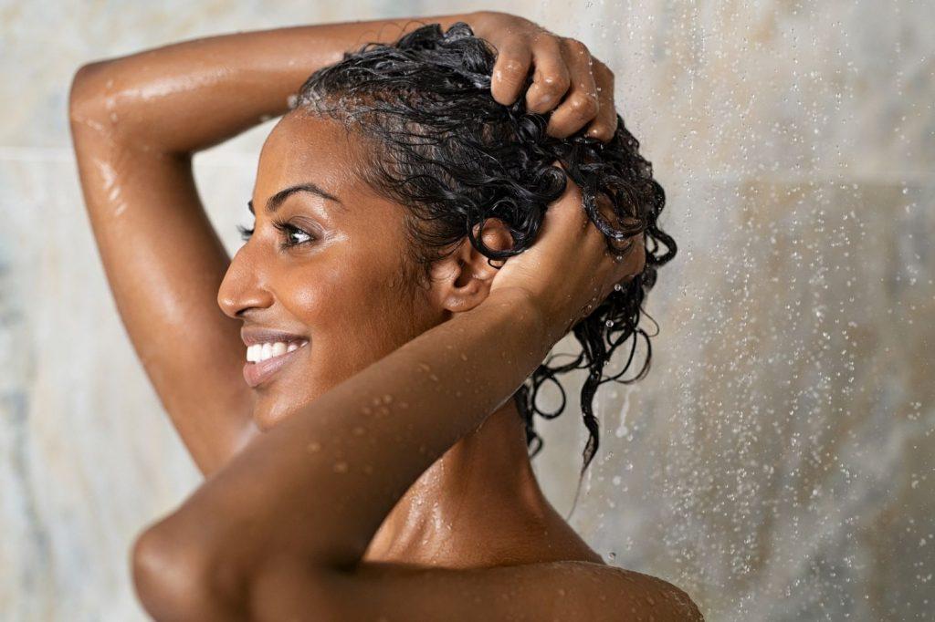 Acondicionador para evitar el envejecimiento del pelo