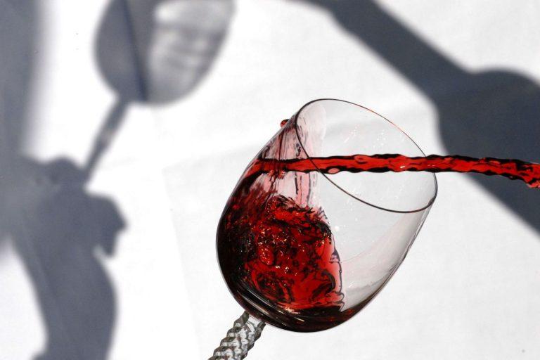 Vinos tintos de España por menos de 30 euros extraordinarios para Navidad