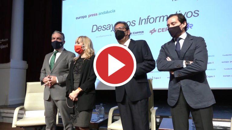 Andalucía advierte de los riesgos de la Navidad y la cifra de contagios