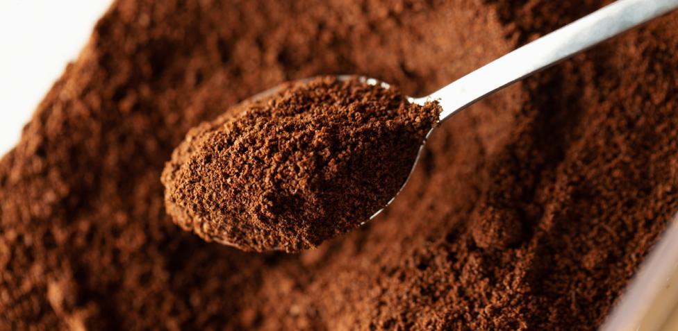 El café es eficaz contra el mal olor en el armario