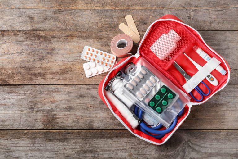 Cómo tener un botiquín de primeros auxilios completo