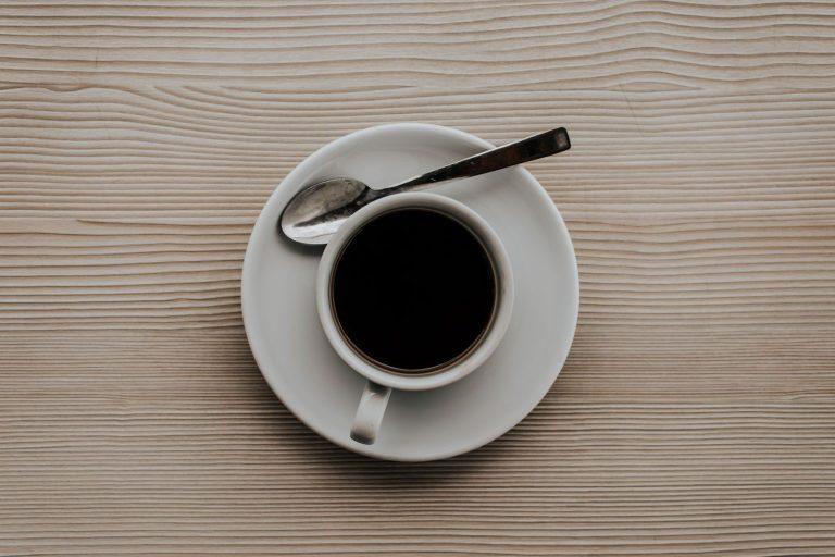 Por qué no debes recalentar el café