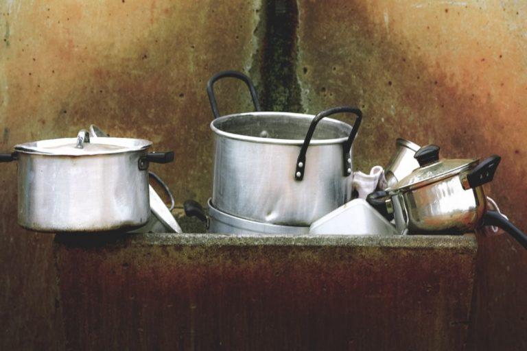 Cómo limpiar las ollas quemadas