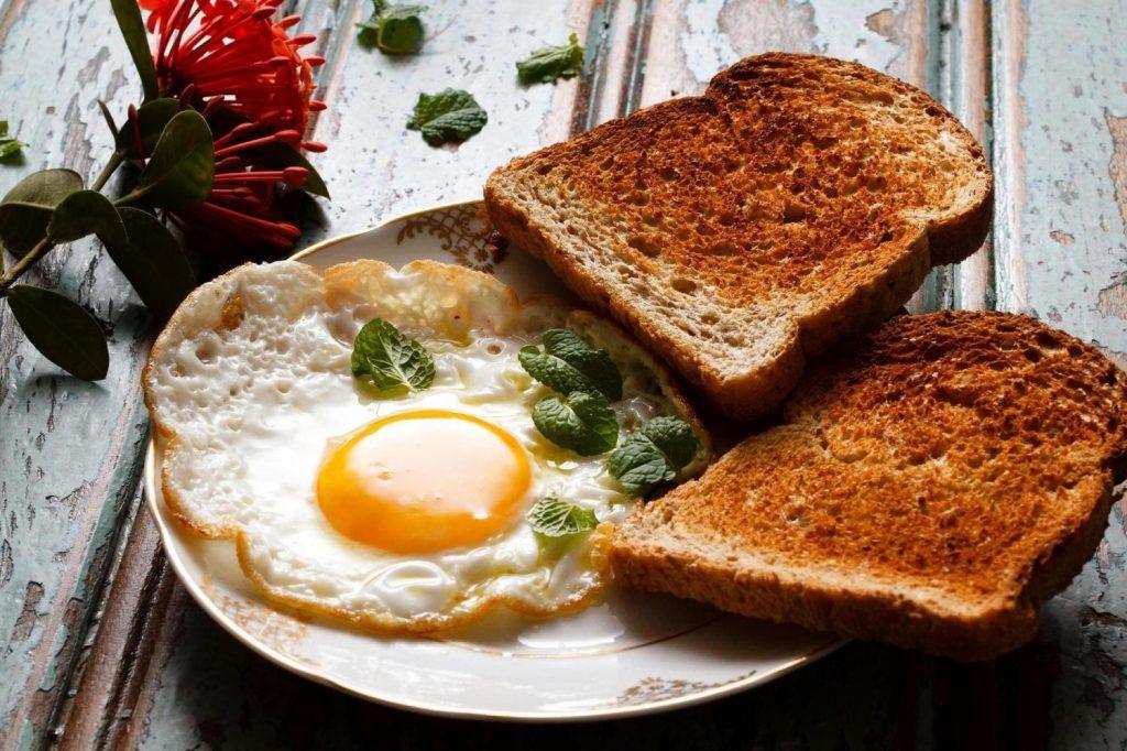 Por qué deberías comer siempre el mismo desayuno