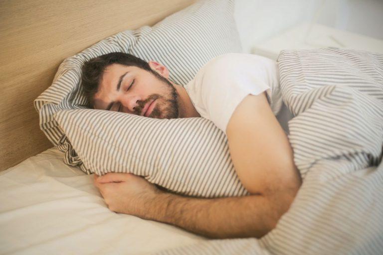 Esto es lo que le pasa a tu conciencia cuando duermes